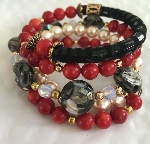 Beautiful Bracelet Red and Black
